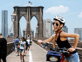 Take the Brooklyn Bridge Bike Tour from Bike and Roll NYC